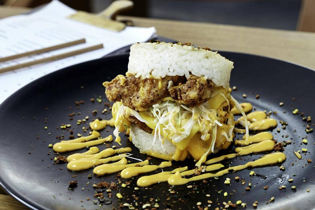 zushi_-_popcorn_chicken_burger_-_sydney_.jpg