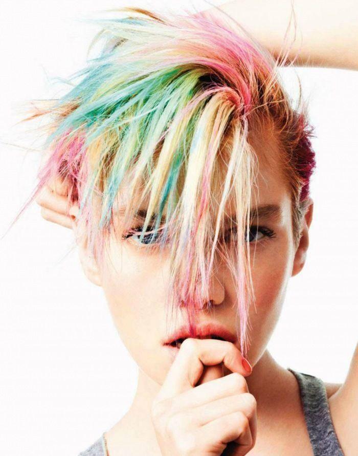 81ccfa4826d8b026429251206627fb76-stella-maxwell-colourful-hair.jpg