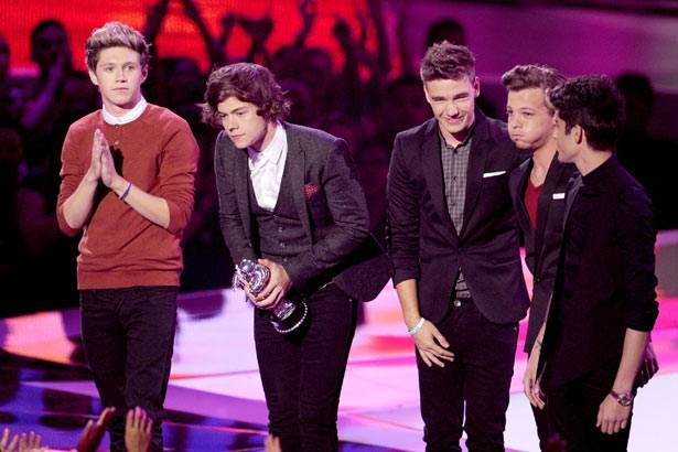 One Direction | Best New Artist for 'What Makes You Beautiful'!