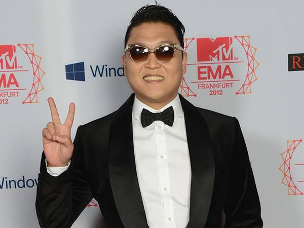 PSY @ the '2012 MTV EMA' Red Carpet