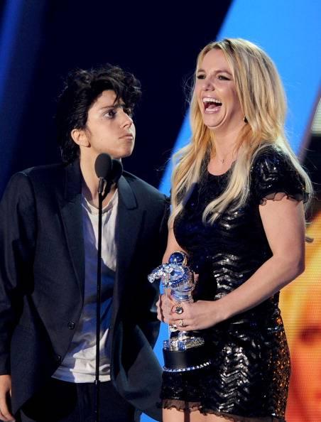Gaga flirting with Britney
