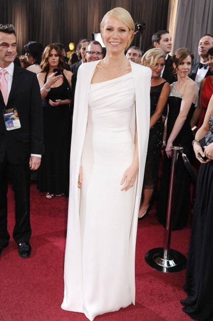 Gwyneth Paltrow wears all white at the 2012 Oscars.