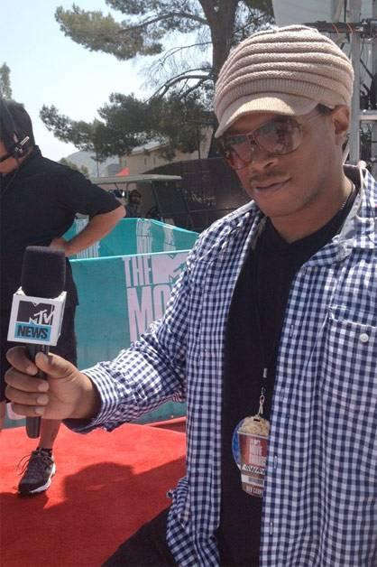 MTV Press: @RealSway setting up @MTVNews #MovieAwards.