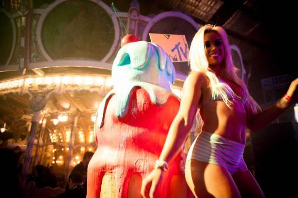mgid:file:gsp:scenic:/international/mtv.com.au/MTV-Summer-279.jpg