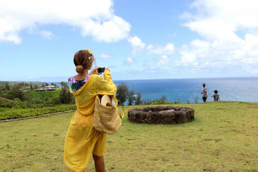 bey_hawaii.jpg