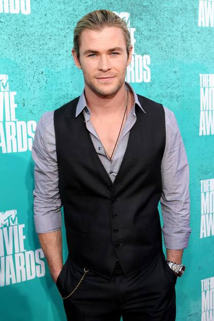 Our very own Chris Hemsworth arrives at the 2012 MTV Movie Awards.