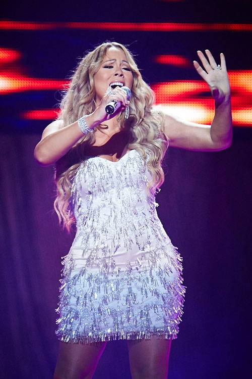 Mariah Carey performing live in Sydney at Allphones Arena on January 3, 2013.