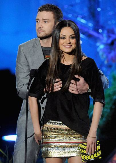 Justin Timberlake and Mila Kunis present the award for Best Male Performance.