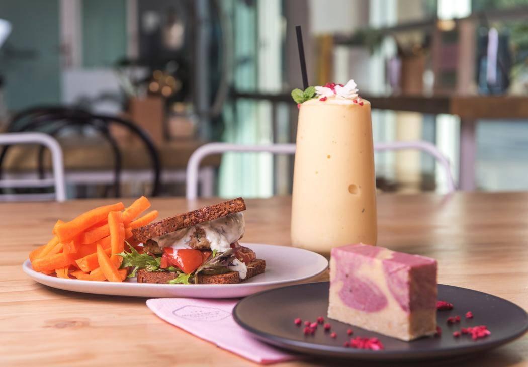 nourishd_kitchen_-_greek_chicken_burger_-_adelaide.jpg