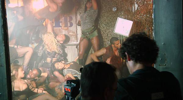 Britney shoots her 'Till the World Ends' video.