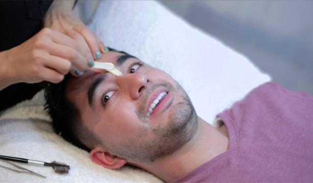 Carlos gets waxed!