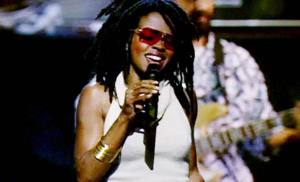1999 - That thing she does wins Lauryn Hill four Moonmen and a whole world of fans. Here she celebrates with an unforgettable VMA performance.