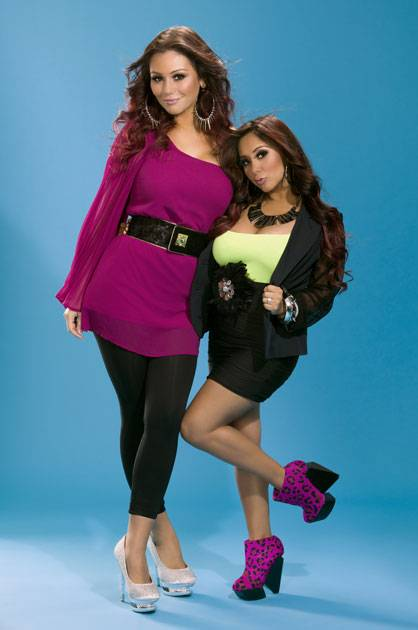 Snooki and JWoww look pretty for the camera!