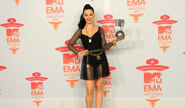 Katy Perry - EMA 2013 Red Carpet