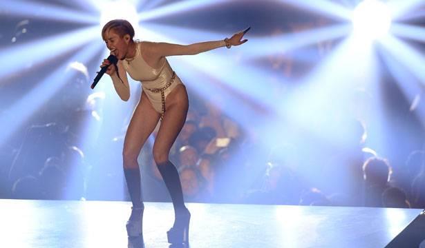 Miley Cyrus - EMA 2013