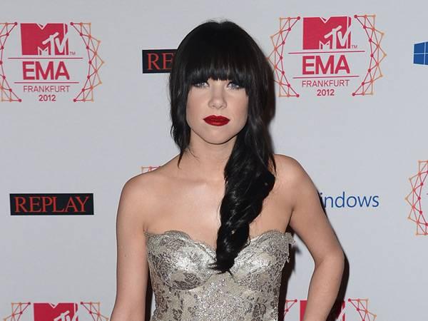 Carly Rae Jepsen @ the '2012 MTV EMA' Red Carpet