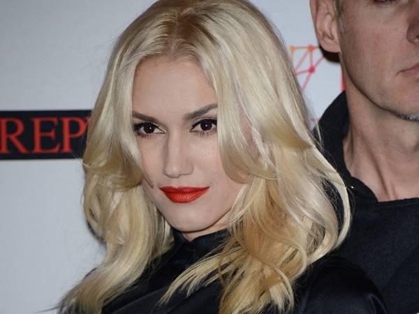 Gwen Stefani @ the '2012 MTV EMA' Red Carpet