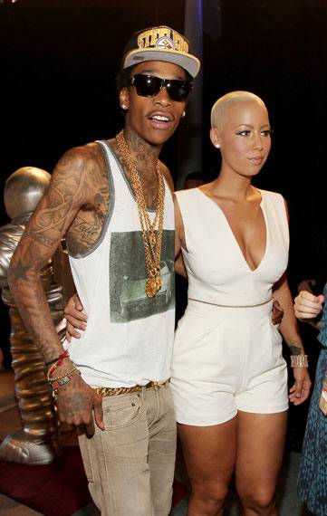 Backstage Moments : Wiz And Amber