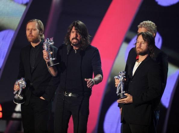BEST ROCK VIDEO - Foo Fighters 'Walk'