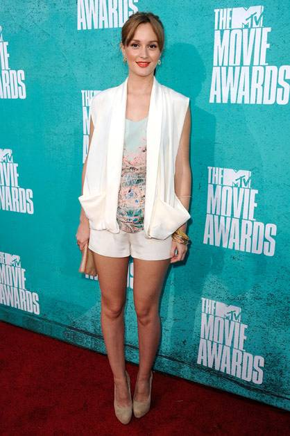 Diva Leighton Meester arrives at the 2012 MTV Movie Awards.
