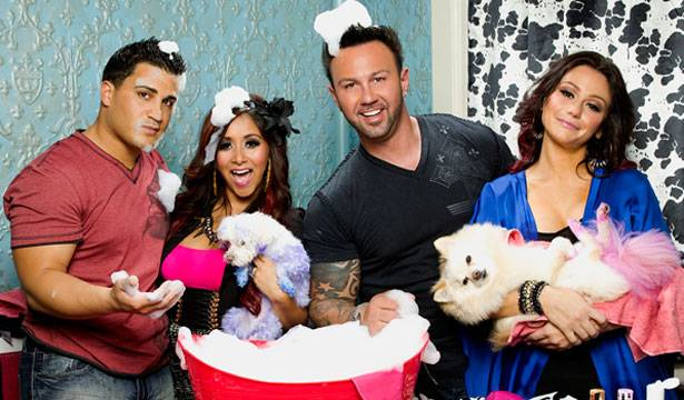Bath-time and bubbles with Snooki and JWoww!