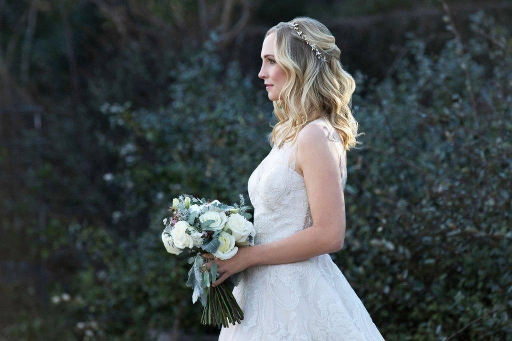 stefan-caroline-wedding-vampire-diaries-2017_5.jpg