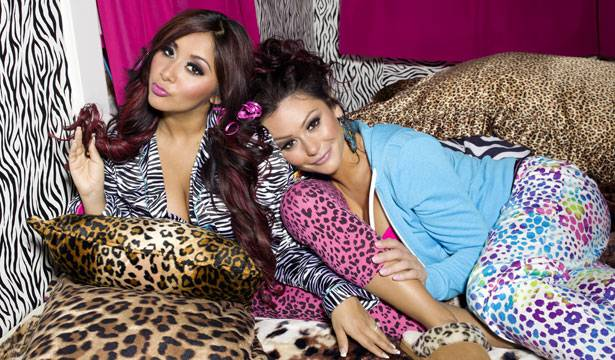 Snooki and JWoww comfy in their new pad!