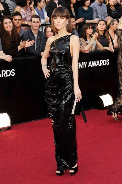Australia's own Rose Byrne arrives at the 2012 Oscars.