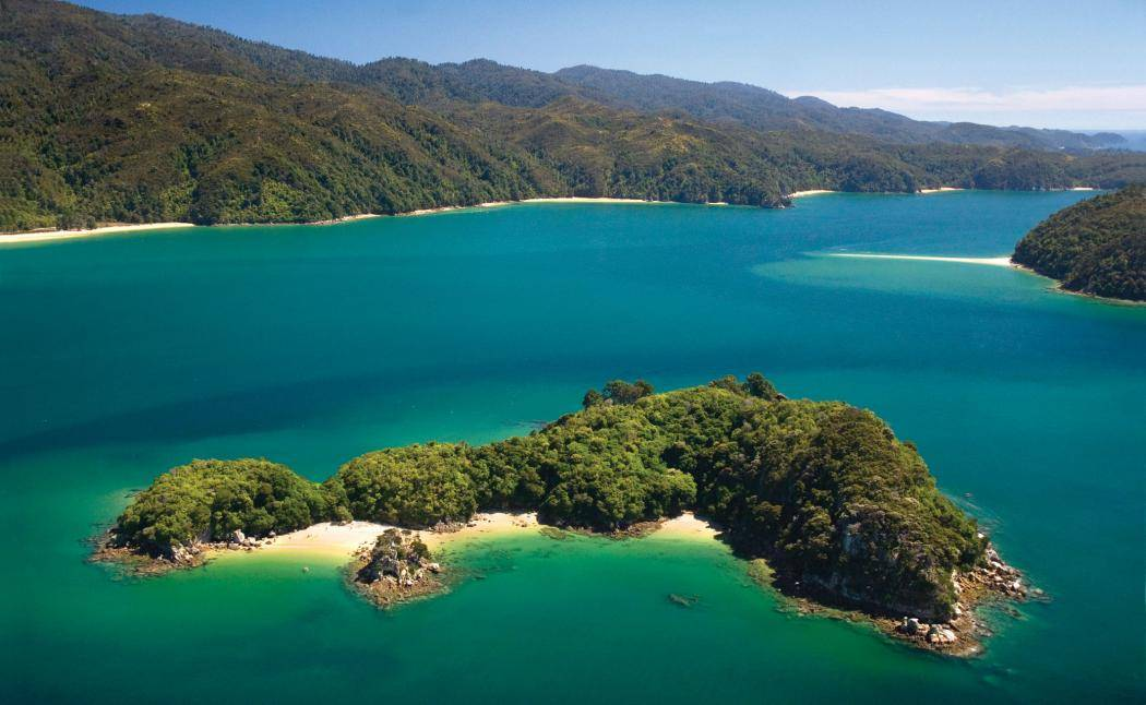 abel-tasman-national-park-kayaks-lg3.jpg