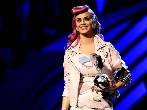 Katy Perry wins 'Best Live' act!