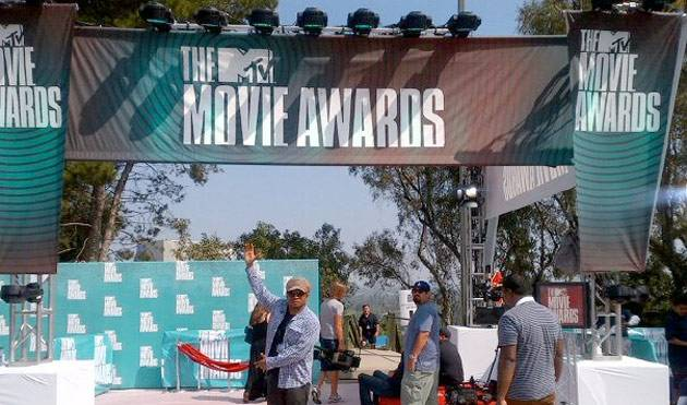 MTV News: @RealSway presents to you, the #MovieAwards red carpet!