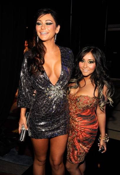 Jersey Shore BFF's J-Woww and Snookie hit the carpet at the 2011 MTV Video Music Awards.
