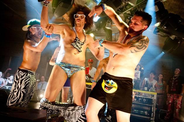 Wiggle, wiggle, wiggle at MTV Summer 2011.