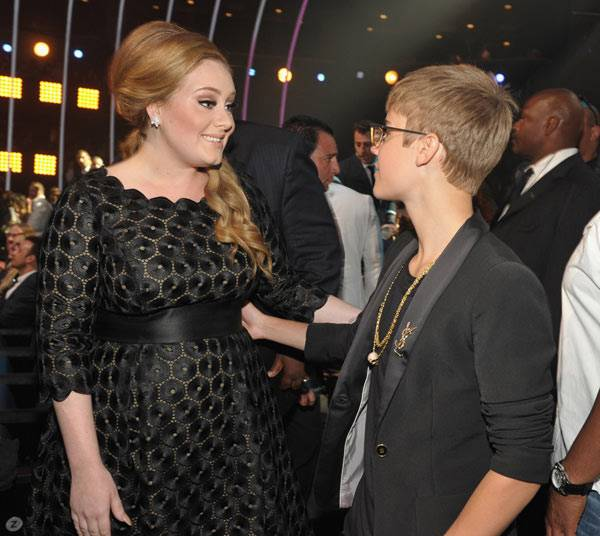 Backstage Moments : Adel And Justin