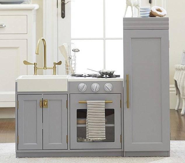 toy_kitchen.jpg