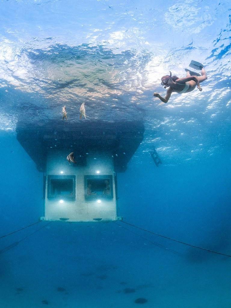 53da86366dec627b149f0044_3-underwater-hotel-ss.jpg