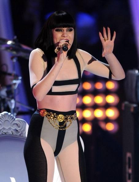 Jessie J performs at the 2011 VMAs..
