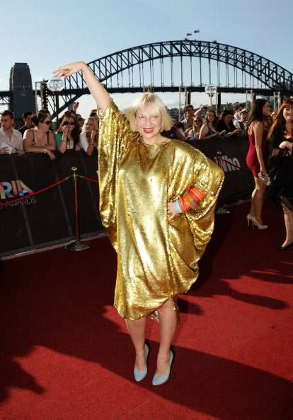 mgid:file:gsp:scenic:/international/mtv.com.au/Music_Entertainment/Aria-Awards-2010-Sia.jpg