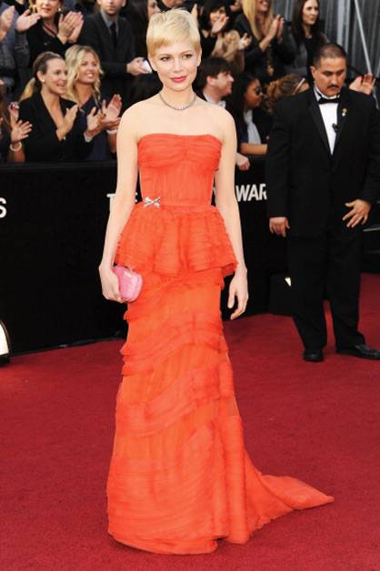 Michelle Williams arrives at the 2012 Oscars.
