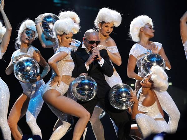 Pitbull Performs @ The '2012 MTV EMA' in Frankfurt!