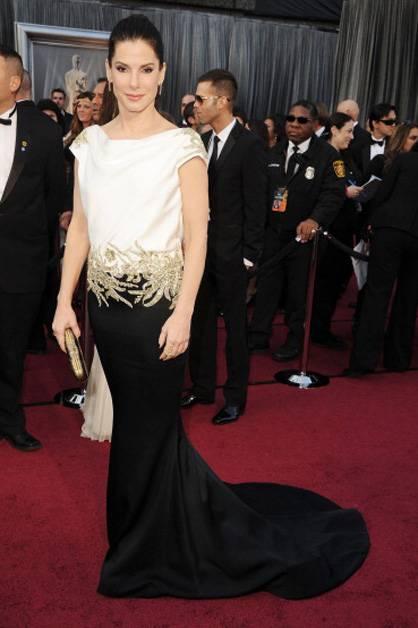 Sandra Bullock arrives at the 2012 Oscars.