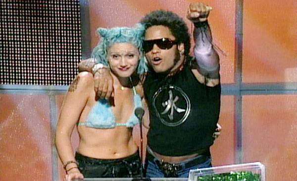 1998 - Lenny Kravitz and a blue-haired Gwen Stefani rock the stage.