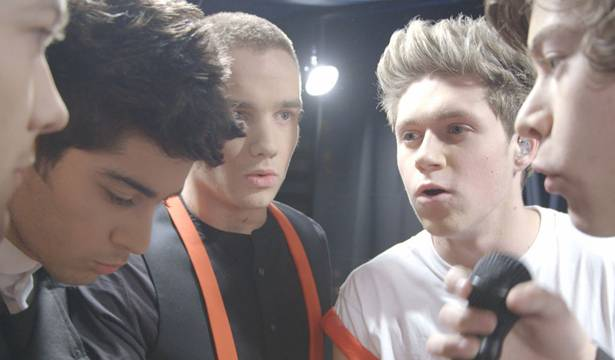 One Direction - Hands in before show.
