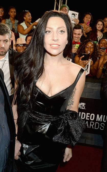 Lady Gaga on the Red Carpet @ the 2013 MTV Video Music Awards in Brooklyn!
