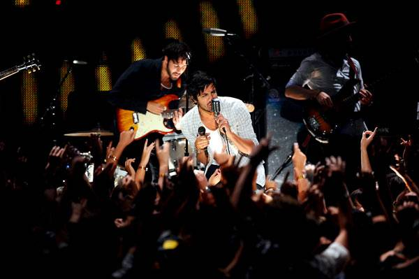 Young The Giant performing at the VMAs