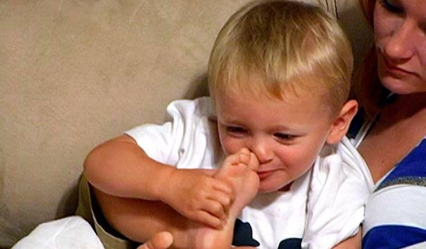 Bentley tells mom Maci that his feet smell.