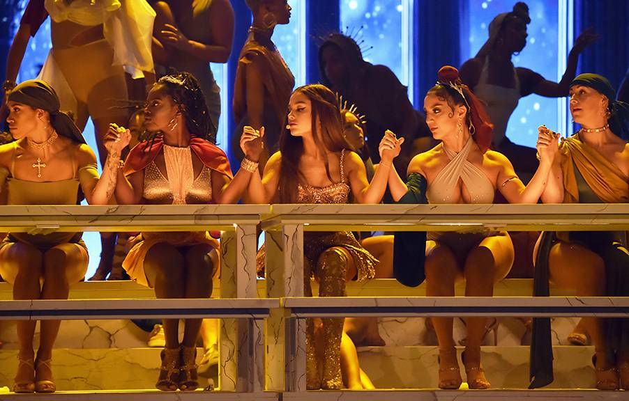 """Ariana Grande took over the 2018 VMAs stage with her empowering anthem """"God Is a Woman."""""""