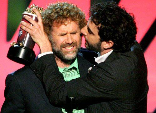 http://mtv.mtvnimages.com/onair/movieawards/ma07/main/main_show/act_3/winners/flipbook/74387593_fm.jpg