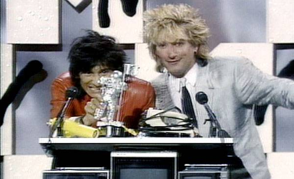 /content/ontv/vma/2007/images/archive/flipbooks/1984/1984_ron_and_rod_01.jpg