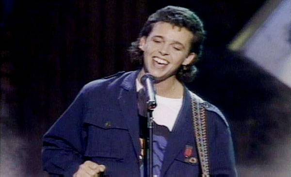 /content/ontv/vma/2007/images/archive/flipbooks/1985/1985_tears_for_fears2.jpg